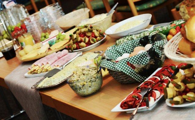 buffet-974742_1920
